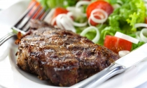 well-grilled-steak-and-salad-restaurant